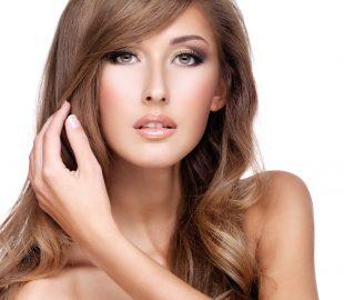Haarpflege im Winter. Geprüfte Methoden und gute Kosmetikprodukte.